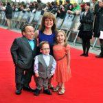 Warwick Davis et sa famille
