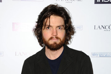 Cormoran Strike sera interprété par Tom Burke